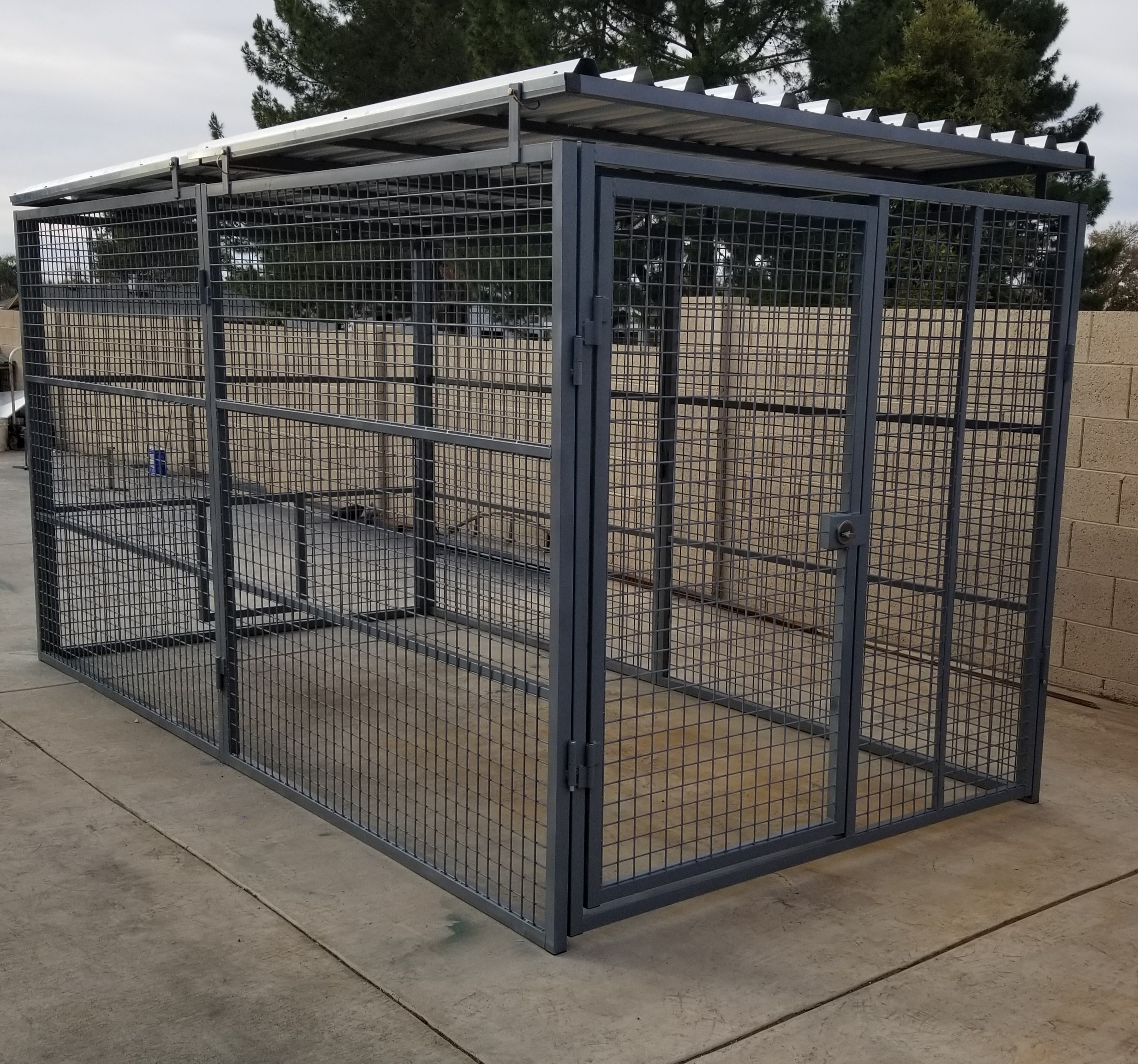 roof-single-dog-run-xtreme-dog-kennels-from-carrymydog.com