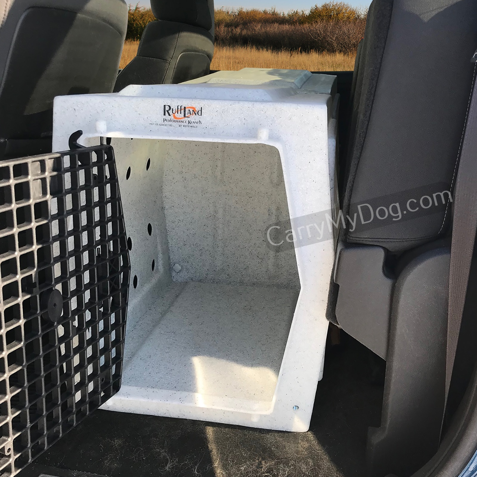 Backseat Rider Ruff land kennel from carrymydog.com