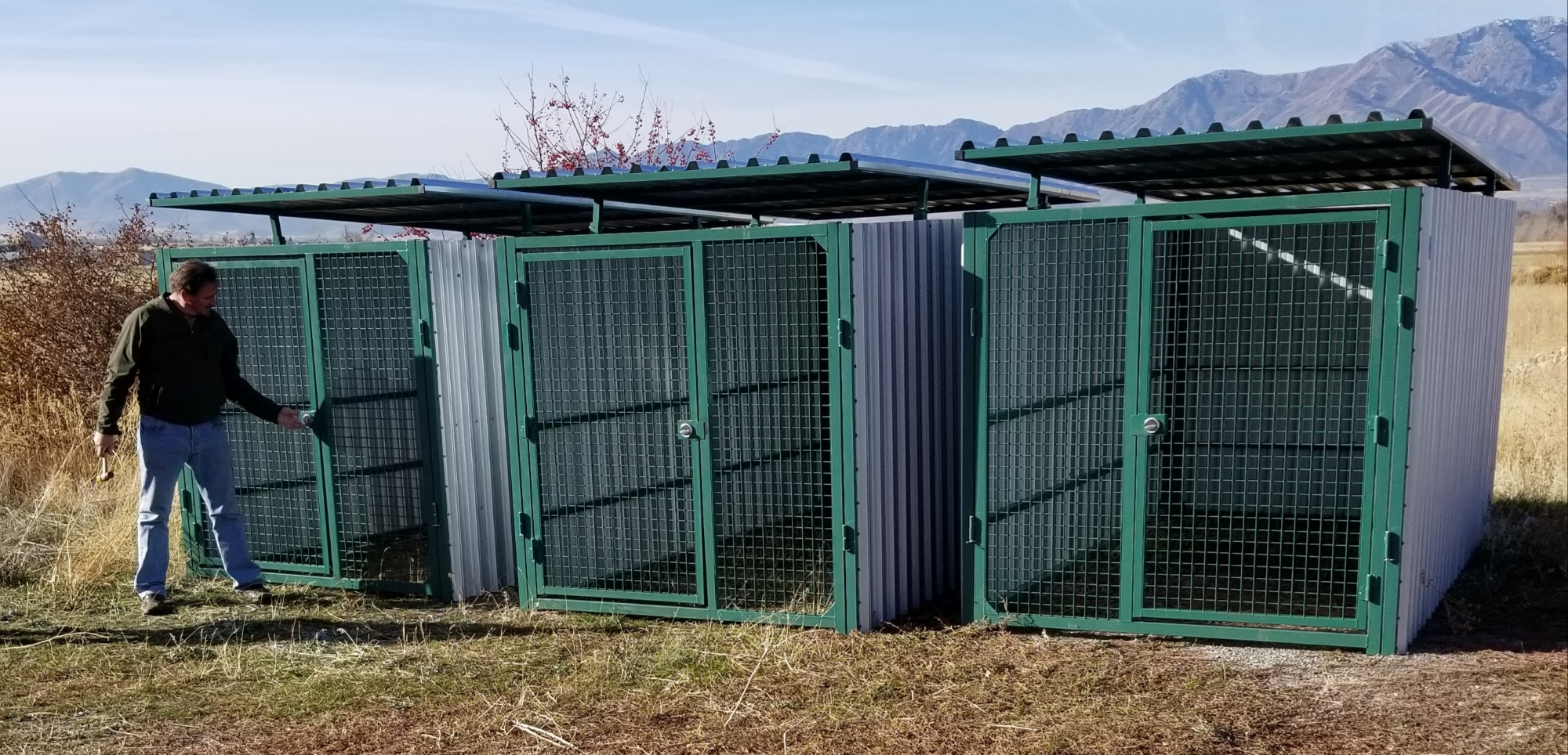 xtreme-outdoor-enclosed-kennels-university-of-Utah-carrymydog.com