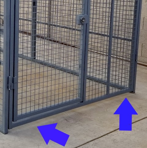 xtreme-dog-kennel-raised-front-for-cleaning